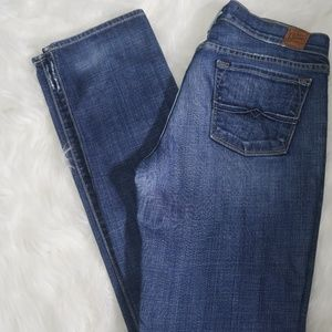 Lucky Brand Legend Zoe Straight Mid Rise Jean 6/28